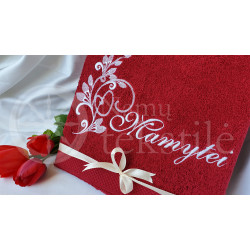 "Embroidered occasional towel ""Mamytei"""