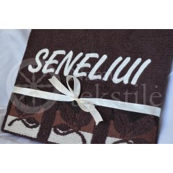 "Embroidered occasional towel with leaves ""Seneliui"""