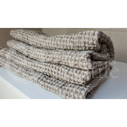 Half-linen bath towel with grey and white squares