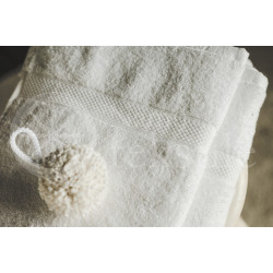 Bamboo fibre terry bath towel white
