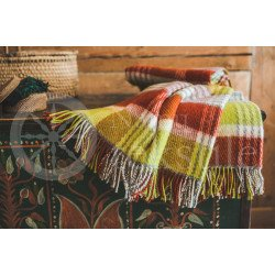 "Wool blanket with fringes ,,Klevas"" green"