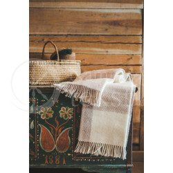 Wool blanket with fringes beige